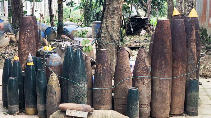 Man collects bomb casings in hope of setting up museum