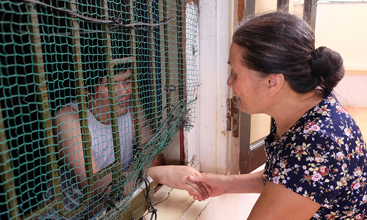 Hidden trauma: mental illness exacts unseen toll on loved ones
