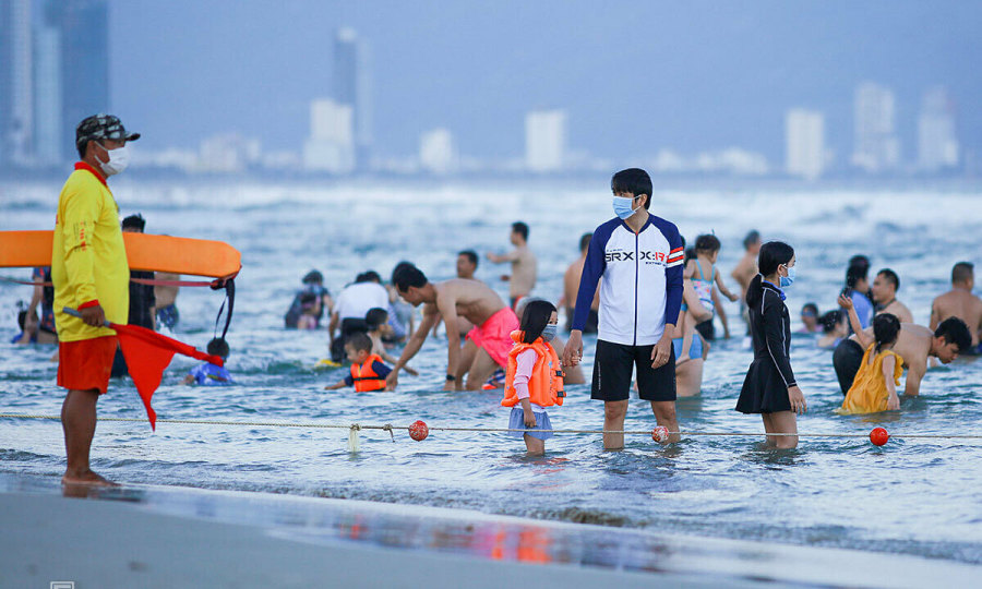 Da Nang to suspend non-essential activities after Covid-19 surge