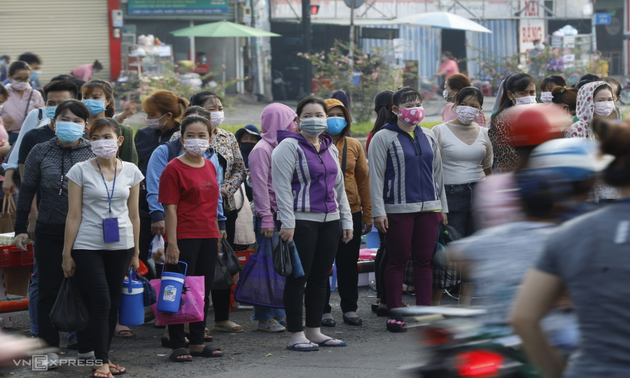 Pandemic closures push 42,500 HCMC residents out of work
