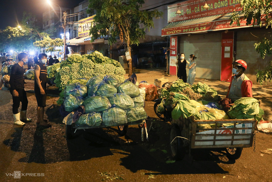 Ministry wants HCMC wholesale markets reopened