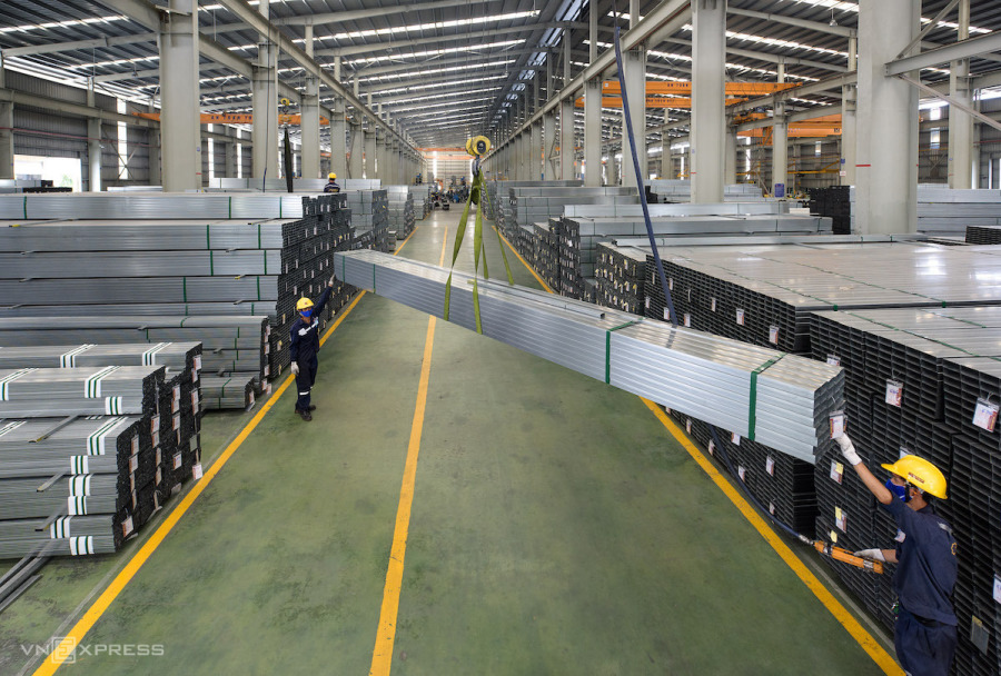 Steel exports surge 127 pct